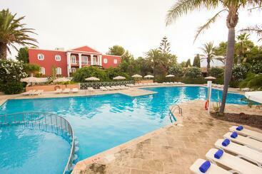 Apartamentos Pueblo Menorquin