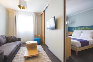 Hotel ibis lyon palais des congres caluire em caluire et for Appart hotel ibis
