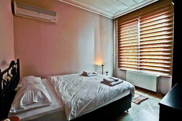 Hotel maritime boutique em istanbul desde 10 destinia for Educa suites balat hotel