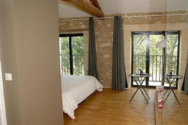 hotel de france auch as melhores ofertas com destinia. Black Bedroom Furniture Sets. Home Design Ideas