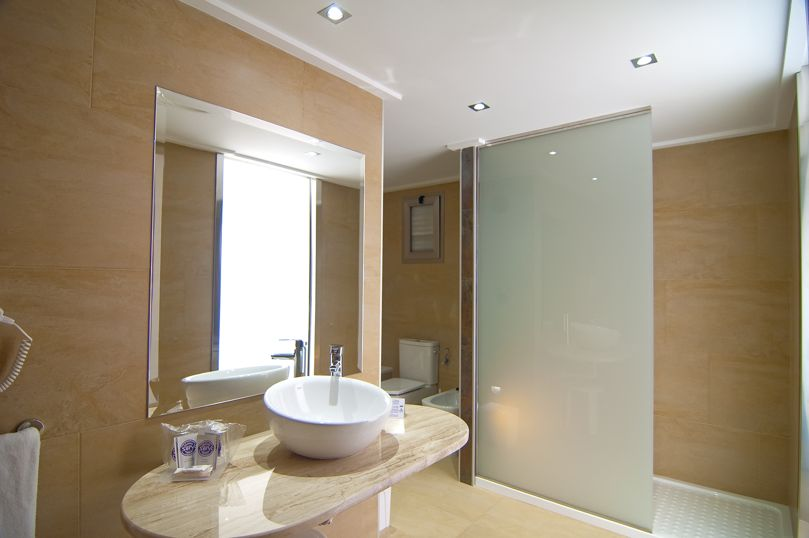 Bathroom Hotel Servigroup Nereo Benidorm
