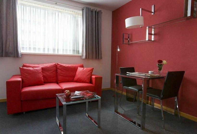 Kamer Aparthotel Atenea Barcelona
