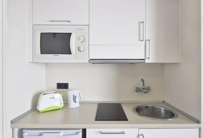 مطبخ Aparthotel Orquidea سانتا إيولاليا دل ريو