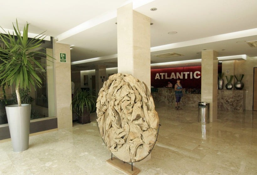Rezeption AzuLine Hotel Atlantic Es Canar