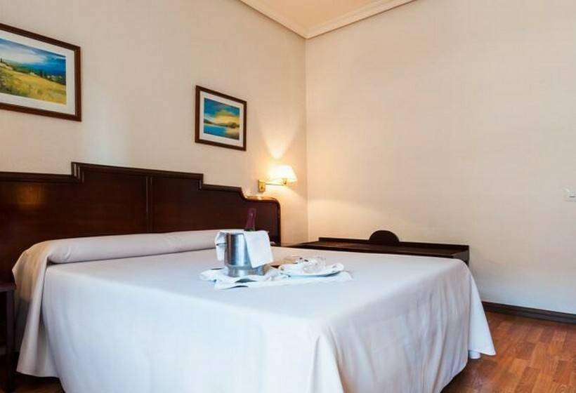 اتاق هتل Alcantara Caceres