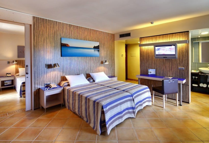 Room Hotel Occidental Menorca Sant Lluis