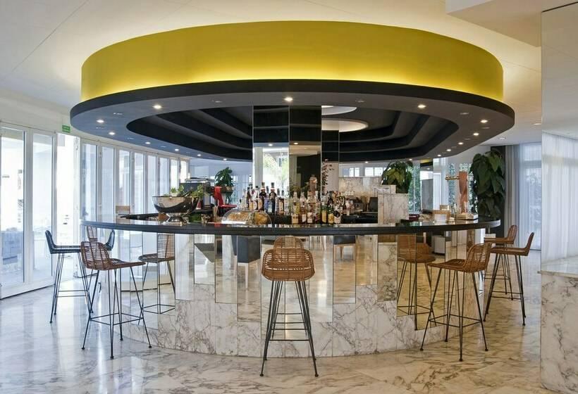 Cafeteria Hotel Bernat II Calella