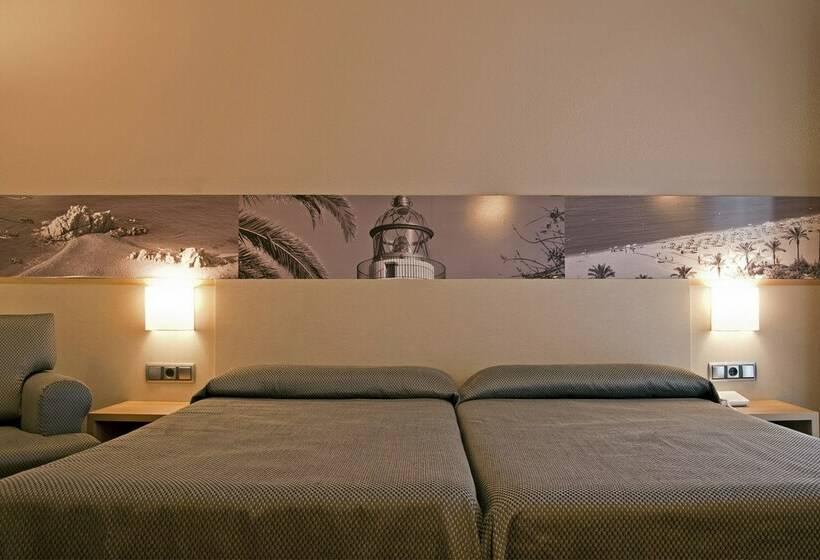 Quarto Hotel Bernat II Calella