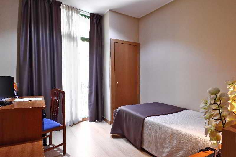 Kamer Hotel Cataluña Barcelona