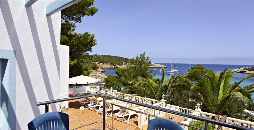 Outside Hotel Sandos El Greco Beach - Adults Only Cala Portinatx