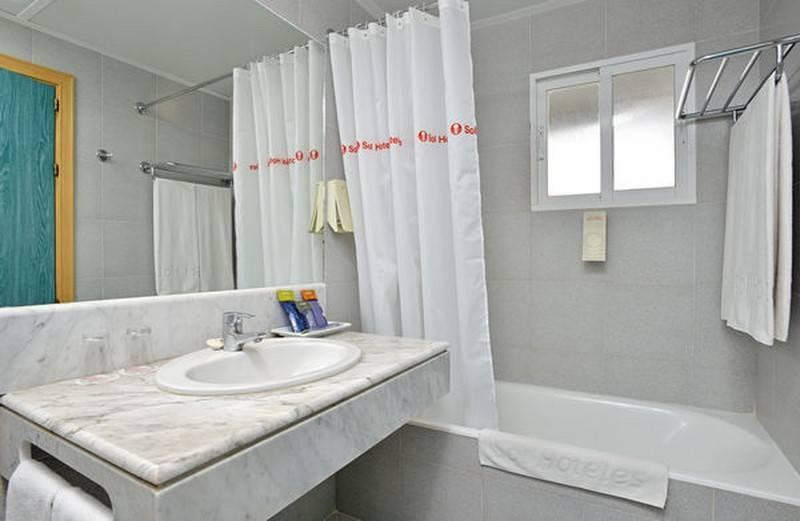 Salle de bain Hôtel Sol Milanos Pingüinos Son Bou