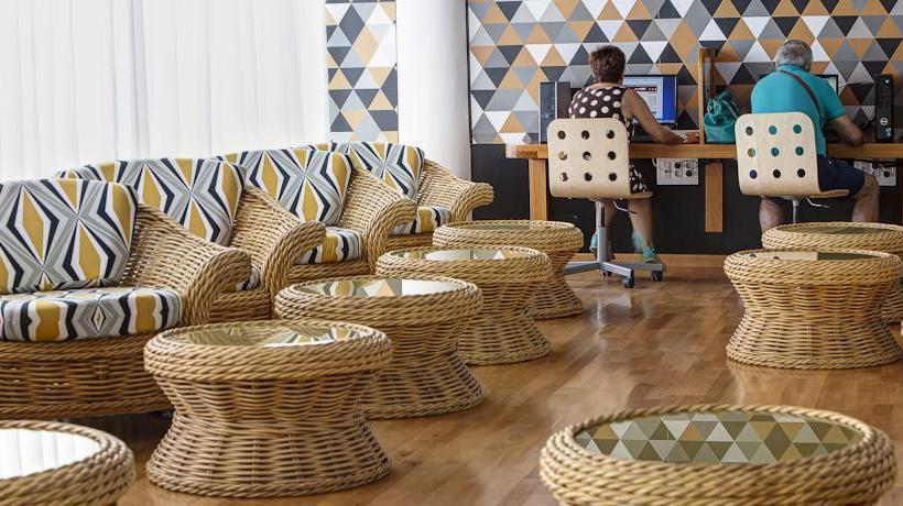 کافه هتل Bull Astoria لاس پالماس جزایر قناری