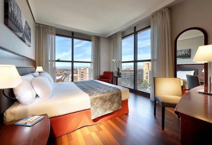 Quarto Hotel Via Castellana Madrid