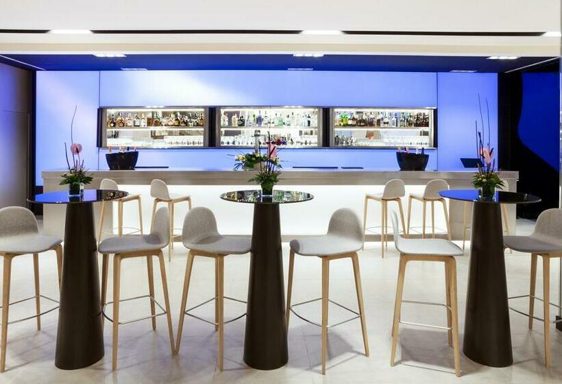 Cafetaria Novotel Madrid Center