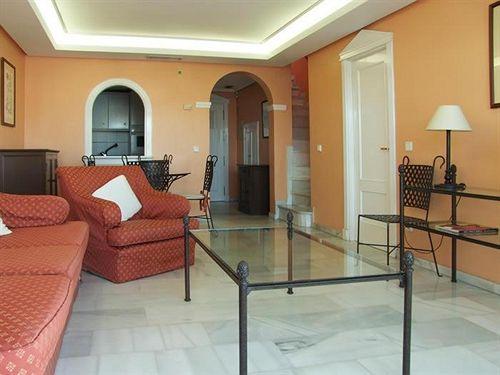 Aparthotel Monarque Sultán Lujo ماربيا