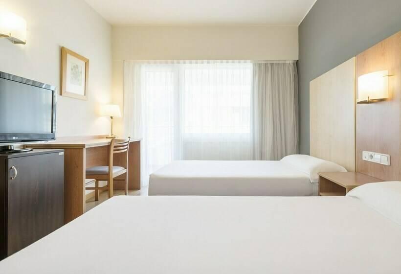 Camera Hotel Ilunion Romareda Saragozza