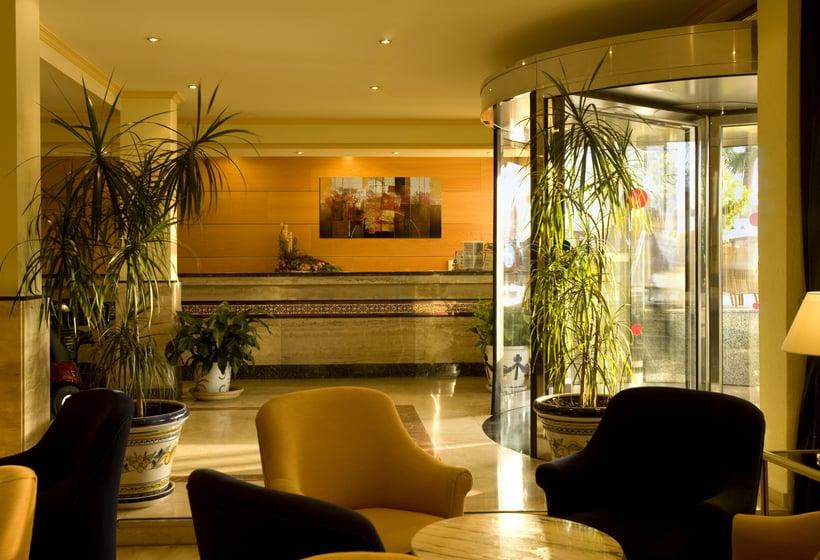 レセプション ホテル Las Arenas ベナルマデナ