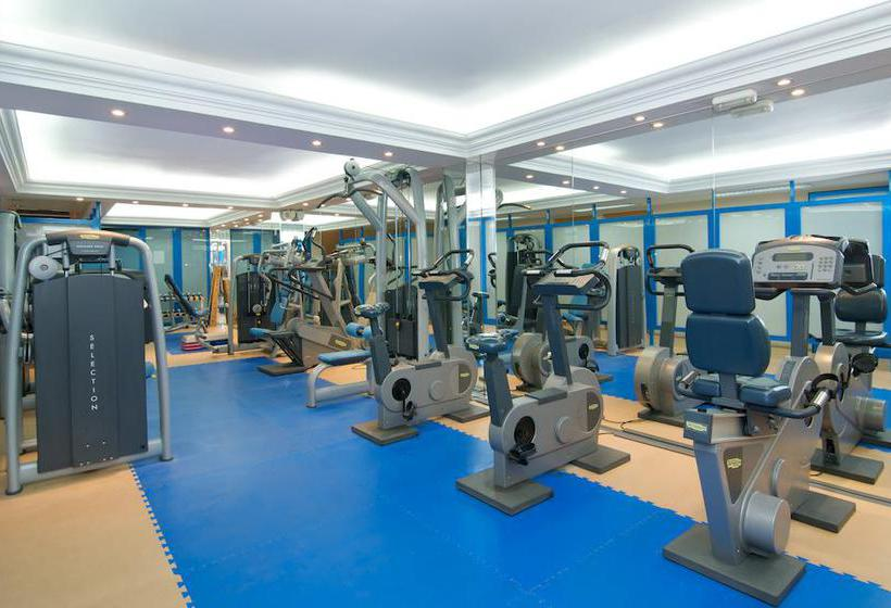 Sports facilities Hotel Las Piramides Fuengirola