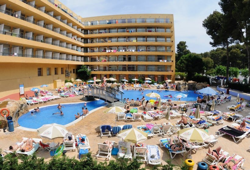 Swimming pool Hotel Medplaya Calypso Salou