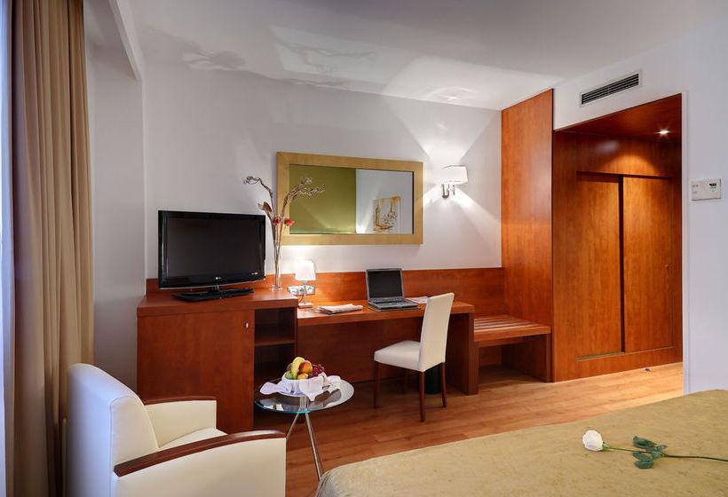فندق Monte Triana إشبيلية