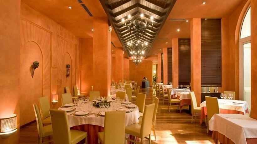 レストラン ホテル Silken Al-Andalus Palace セビリア