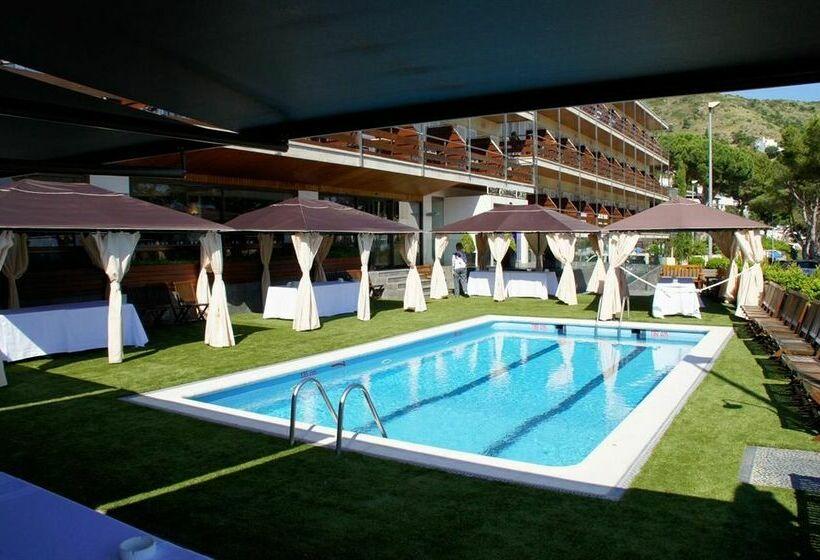 Отель Canyelles Platja Росес