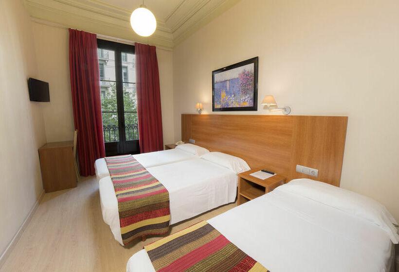 Hotel ciudad condal em barcelona desde 24 destinia - Apartamentos club condal comillas ...