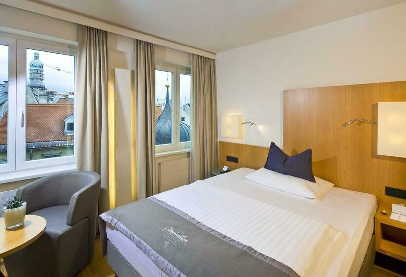 Quarto Hotel Maximilian Innsbruck