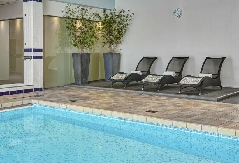 בית מלון כפרי Holiday Inn Brussels Airport Diegem