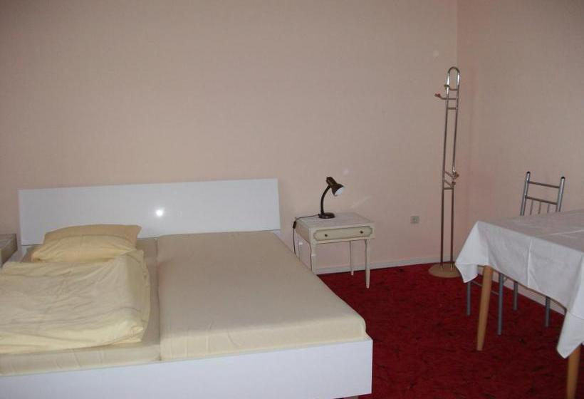 Hotel-pension Hensel Sascha برلين