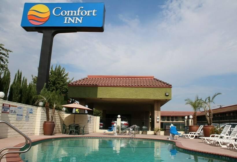 Hotel comfort inn near old town pasadena in los angeles - Best hotel swimming pools in los angeles ...