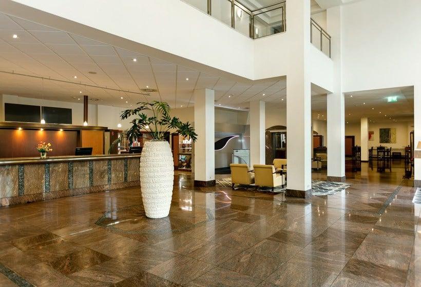 Front desk Hotel Hilton Nuremberg