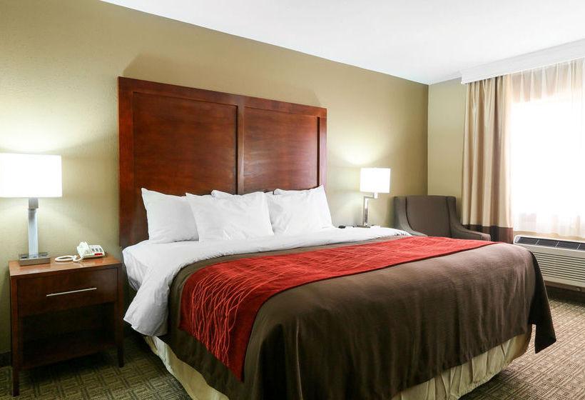 فندق Comfort Inn & Suites Leeds ليدز