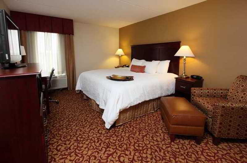 호텔 Hampton Inn & Suites Charlottesville-At The University 샬러츠빌