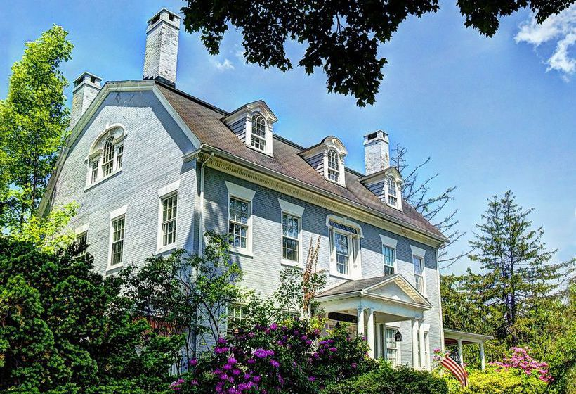 Hotel Simsbury 1820 House