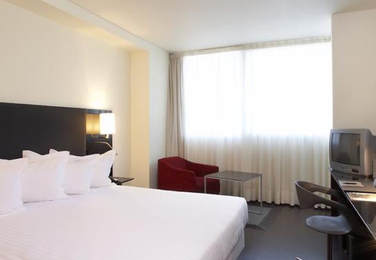 ホテル AC Som ロスピタレート・デ・リョブレガート