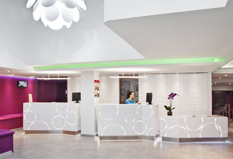 Rezeption Hotel Ibis Styles Madrid Prado