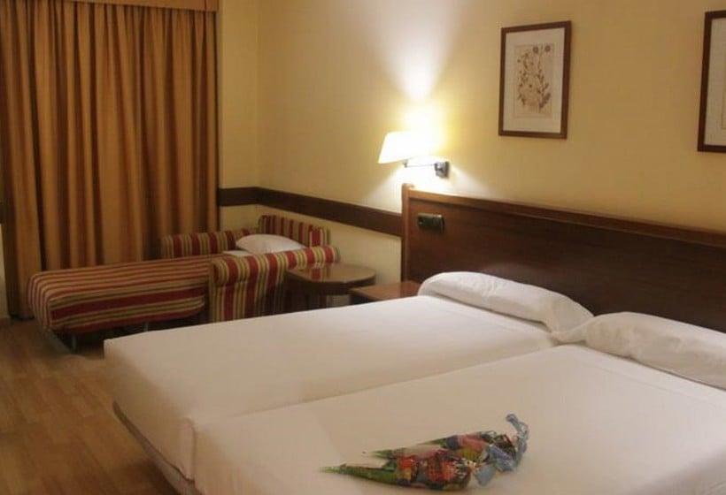 部屋 ホテル Oriente サラゴサ