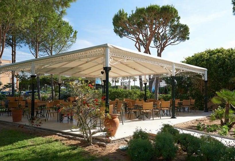 テラス Hipotels Barrosa Garden Novo Sancti Petri