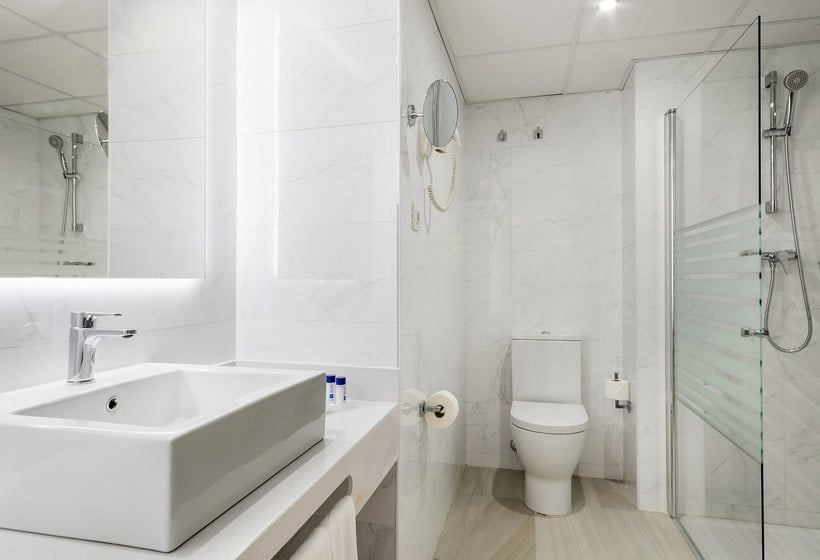 Bathroom فندق Best Marítim كامبريلس