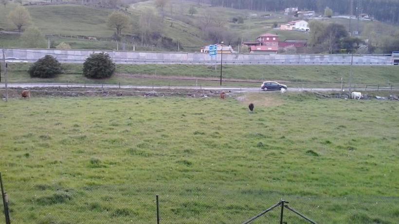 호텔 del Parque Los Corrales de Buelna