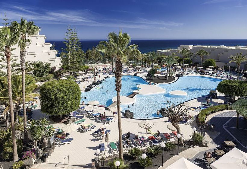 Swimming pool Hotel Occidental Lanzarote Playa Costa Teguise