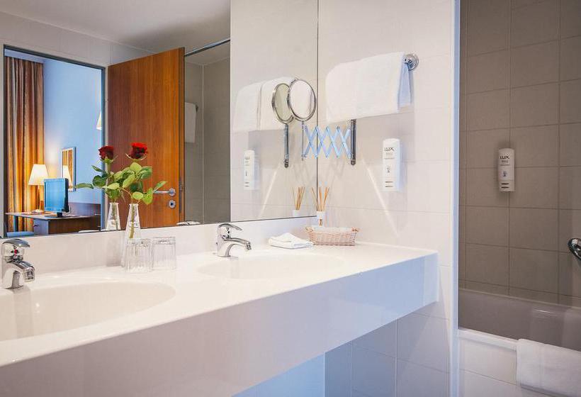 Bathroom Hotel Vienna House Easy Wuppertal