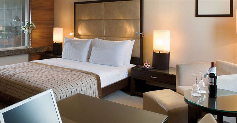 部屋 Mövenpick Hotel Istanbul イスタンブール