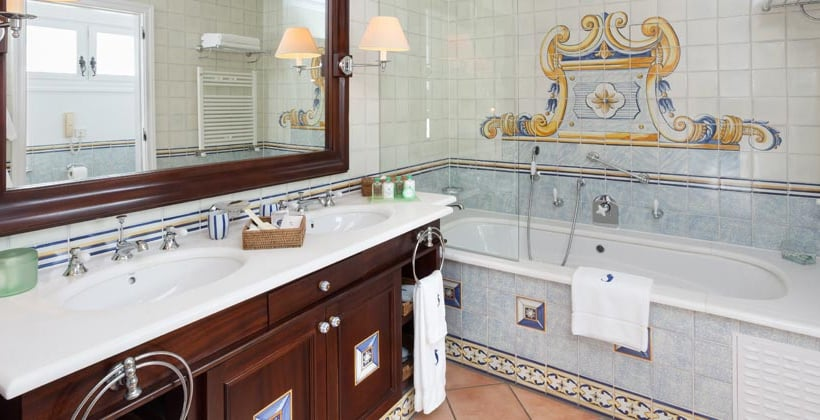 Bathroom Seaside Grand Hotel Residencia ماسبالوماس