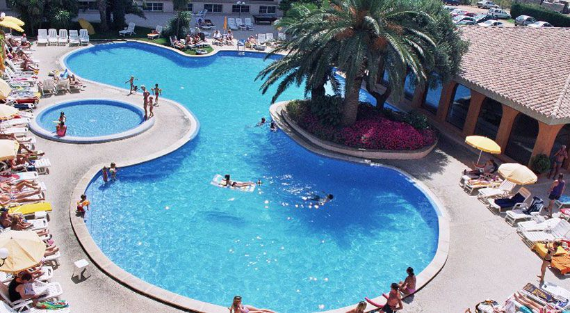 Swimming pool Hotel Luna Park Malgrat de Mar