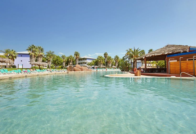 Swimming pool PortAventura Hotel Caribe Resort Salou
