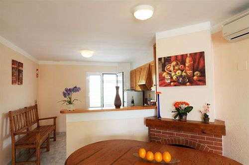 Apartamentos Maribel كالا بلانكا