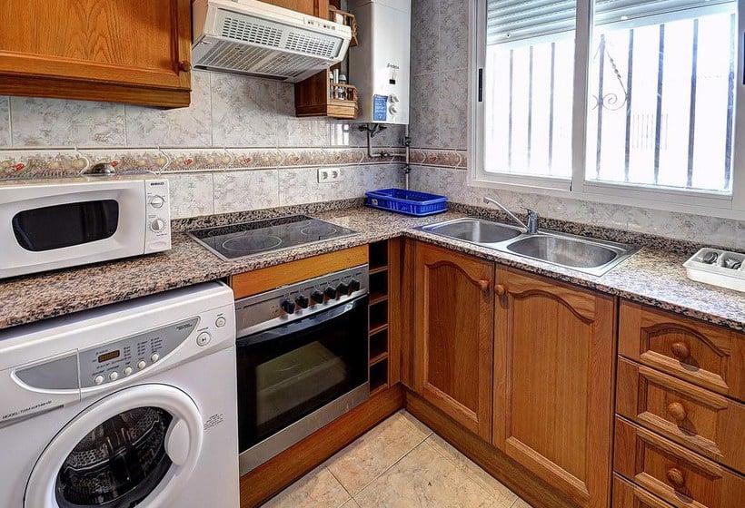 مطبخ Apartamentos 1ª Linea Multiservicios Marina D'Or أوروبيسا ديل مار