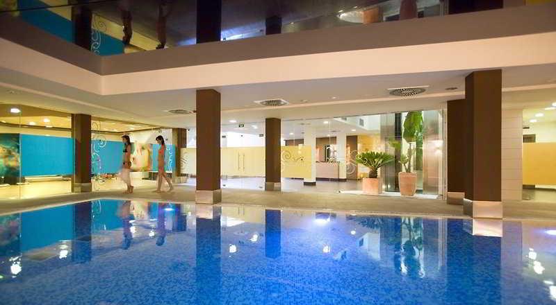 AR Imperial Park Spa Resort كالبي